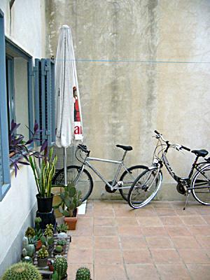 azuljardines.com_diseño_instalacion_jardines_patio_Juan_antes_1