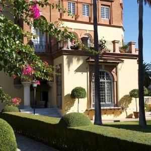 Mantenimiento periódico de jardín chalet en Avenida de la Palmera, Sevilla