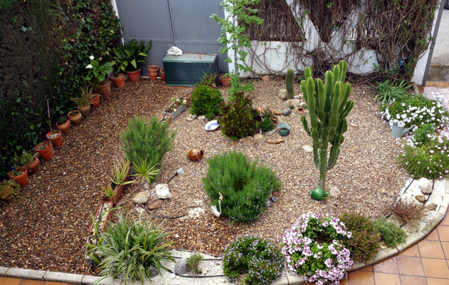 azuljardines.com_mantenimiento_puntual_jardin_Ang_1