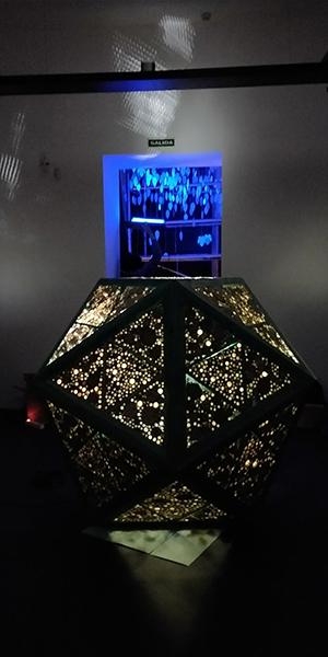 Azuljardines_educacionambiental_meteorito-iluminado